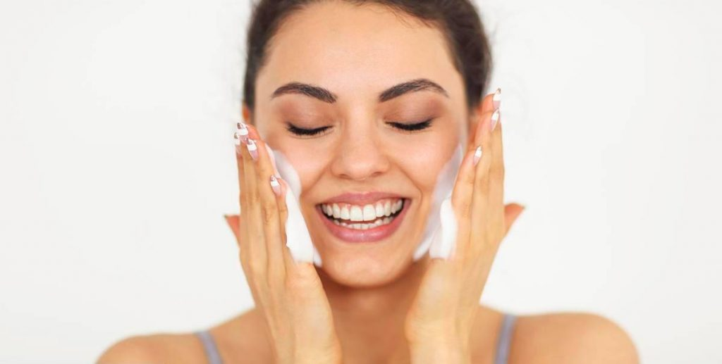 How to Get Rid of and Treat Oily Skin
